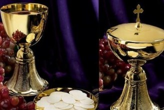 Chalice and patten with hosts for communion